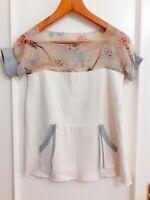 LEANNE MARSHALL Designer Top camisa Talla XS New! Beige y estampado Manga corta