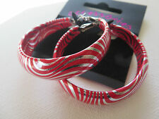 FUNKY RETRO 60s 70s SILVER & RED SWIRL DISCO PRINT HOOP EARRINGS 4.5cm new