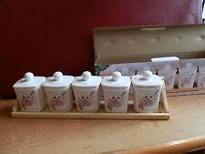 set barattoli in ceramica per spezie con supporto in legno da appendere cupcake