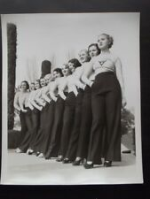 BRALESS PARAMOUNT SHOWGIRLS IN SEXY PANTS & SWEATER OUTFIT Vtg 1930's PHOTO