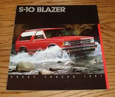 Original 1987 Chevrolet Truck S-10 Blazer Sales Brochure 87 Chevy