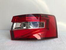 Skoda Superb 3V 3 III Kombi Rückleuchte Heckleuchte rechts LED 3V9945208A Orig