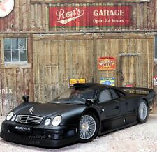 Mercedes-Benz CLK-GTR Street Version 1:18 Scale Model Car