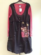DRESS SIZE 18 BY TAILLISSIME EMBRODIERED APPLIQUE BUBBLE HEM BLACK/RED/GREY BNWT
