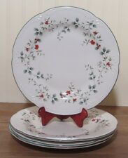 Pfaltzgraff WINTERBERRY  Dinner Plates   Set of 4  Made in the USA