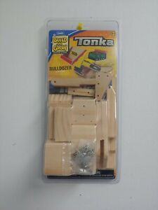 NEW TONKA BUILD AND GROW BULLDOZER WOODEN TOY
