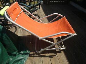 Vintage Aluminum Reclining Folding Rocking Lawn Beach Chair