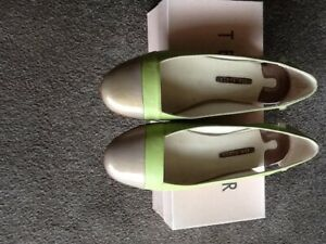 Ted Baker size 6 pumps