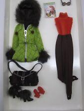 2004 Skiing Vacation Barbie Fashion BFMC  Gold Label   Silkstone  G5271