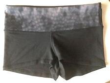 Lululemon Boogie Shorts Snowy Owl Black Gray Grey Size 6 Reversible