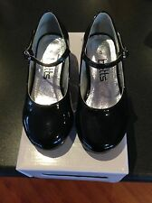 Betts- Girls Patent Leather Shoes. Size 8. Excellent Condition and price.