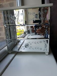 Small Desk White Mirrored Chest of Drawers, Good Cond. Classy! Fast Dispatch!
