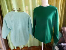 lot 2pulls émeraude torsades  et vert uni taille 44-46