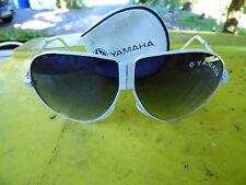 lunettes de soleil vintage Yamaha CERPC blanches pliables avec étui