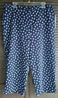Alfred Dunner Newport Beach navy capris w/white flowers women's size 18 NEW