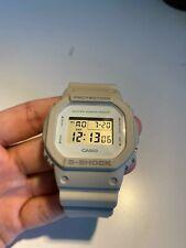 Casio G Shock cuadrada reloj DW-5600M Gris Raro