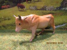 Animaux de la ferme veaux vaches taureaux plomb creux de la marque BF ou Quiralu