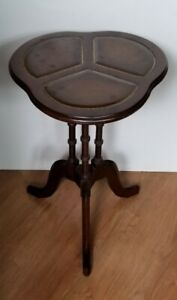 Vintage Clover Leaf Wood With Leather Accent Pedestal Plant Stand