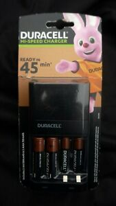 Duracell Hi-Speed Advanced Battery Charger CEF27 With 2 x AA & 2 x AAA Batteries
