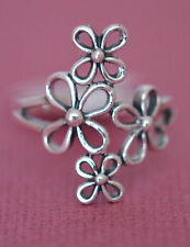 LONG VERY PRETTY DAISY  RING All Genuine Sterling Silver.925 Stamped Size 7