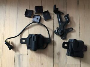 volvo s60 T5 hood latch lock safety L R 11 12 13 OEM 31299869 31218611 TESTED