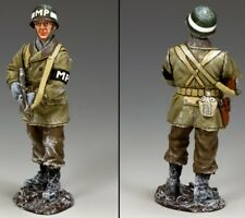 KING & COUNTRY BATTLE OF THE BULGE BBA085 U.S. MILITARY POLICE STANDING