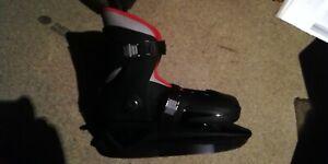 Roces Kids MCK II Ice Skates Juniors Shoes Adjustable Buckle Growth Compensator