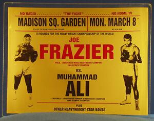 1971 Muhammad Ali vs Joe Frazier Vintage Fight Boxing Glass Ashtray / Candy Dish