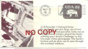 USA Kennedy Space Center 6.5.1985, Challenger, Van Den Berg osserva l'esterno.