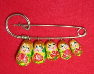 RUSSIAN DOLLS Pin Brooch Yellow Gold Babushka red flowers GIFT broche epingle