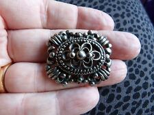 MID CENTURY SILVER TONE VICTORIAN STYLE PEWTER ( I THINK ) BROOCH 471-27