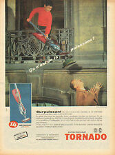 Publicité  ... aspirateur-balai  TORNADO