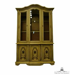 """STANLEY FURNITURE Cream / Off White Painted French Provincial 53"""" Lighted Dis..."""