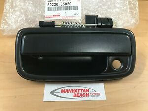 TOYOTA 95-04 TACOMA DRIVER LEFT DOOR HANDLE ASSEMBLY OEM 69220-35020