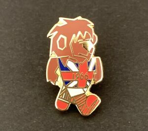 World Cup Willie England.1966 Mascot pin badge
