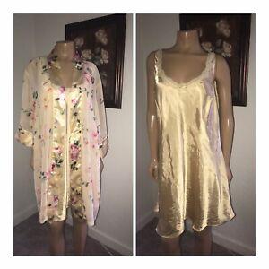 VTG Delicates Plus Size 2XL Glossy Satin Peignoir Robe & Gown - Mint