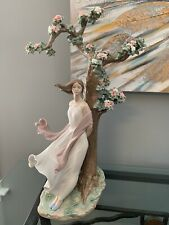 Lladro, 24� Sighs Of Love. #1881. Mint Condition. Signed Limited Edition #31