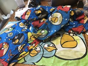 Angry Birds Twin Set Flat & Fit Bed Sheet Blue 2009-2012 EUC Cutter Fabric +case