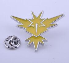 Team Instinct Badge Pokémon Go Zapdos Logo Metal Pin Brooth 1pcs