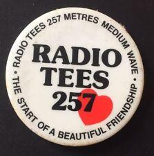 Vintage Badge RADIO TEES 257 Medium Wave PIN White 4.2cm