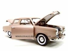 1950 STUDEBAKER CHAMPION GOLDEN TAN 1:18 DIECAST MODEL BY ROAD SIGNATURE 92478
