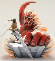 Kaiyodo Capsule Q Characters Vol 1 Attack on Titan Figure Colossal Titan & Eren