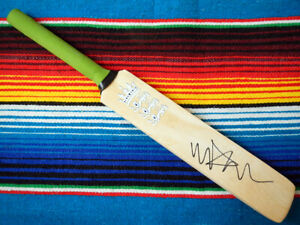 ✺Signed✺ MICHAEL VAUGHAN Cricket Mini Bat PROOF COA England 2021 Shirt Ashes