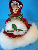 "BEAUTIFUL PORCELAIN CHRISTMAS TREE ORNAMENT 6"""