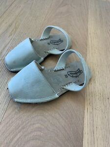 Riudavets Girls Pons Sandals Size 30 US 12 Light Green Blue Teal Leather Shoes