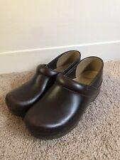 Womens Dansko Brown Leather Nursing Clogs Shoes $120+ 38  US 7.5/8