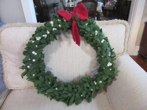 """NEW Felted wool mistletoe 20"""" wreath. Pottery Barn Kids"""