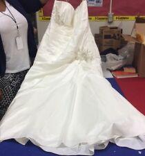 David's Bridal Wedding Dress size 16W style 9wg3032
