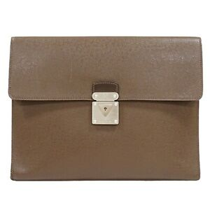 Louis Vuitton Minuto M31068 Taiga Leather Second Clutch Bag Purse Grizzly Silver