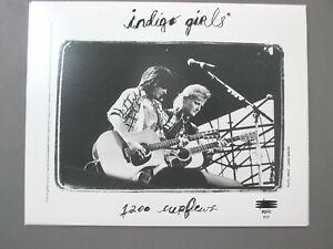 Indigo Girls promo photo 8 X 10 matte finish black & white 1995 LIVE !